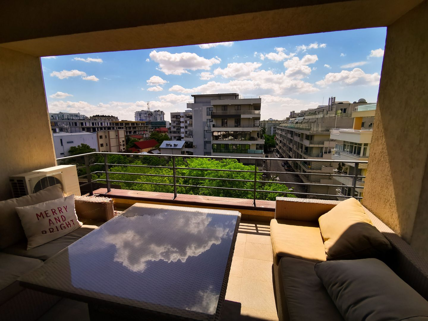 {:ro}Inchiriere: Parc Herastrau - Nordului 2 camere, 80 mp, cu terasa{:}{:en}For rent: Parc Herastrau - Nordului area, 2 rooms, 80 sq m, with terrace{:}
